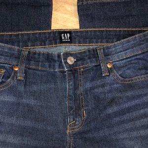 Ladies GAP girlfriend jeans